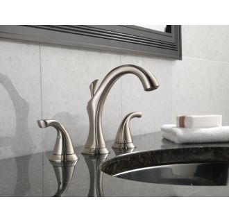 Delta-3592LF-Installed Faucet in Brilliance Stainless