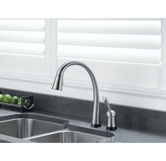 Delta-980T-DST-Installed Faucet in Brilliance Stainless