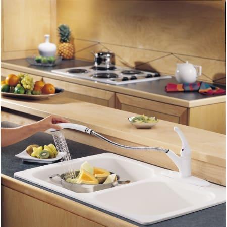 Delta 470 Dst Chrome Signature Pull Out Kitchen Faucet